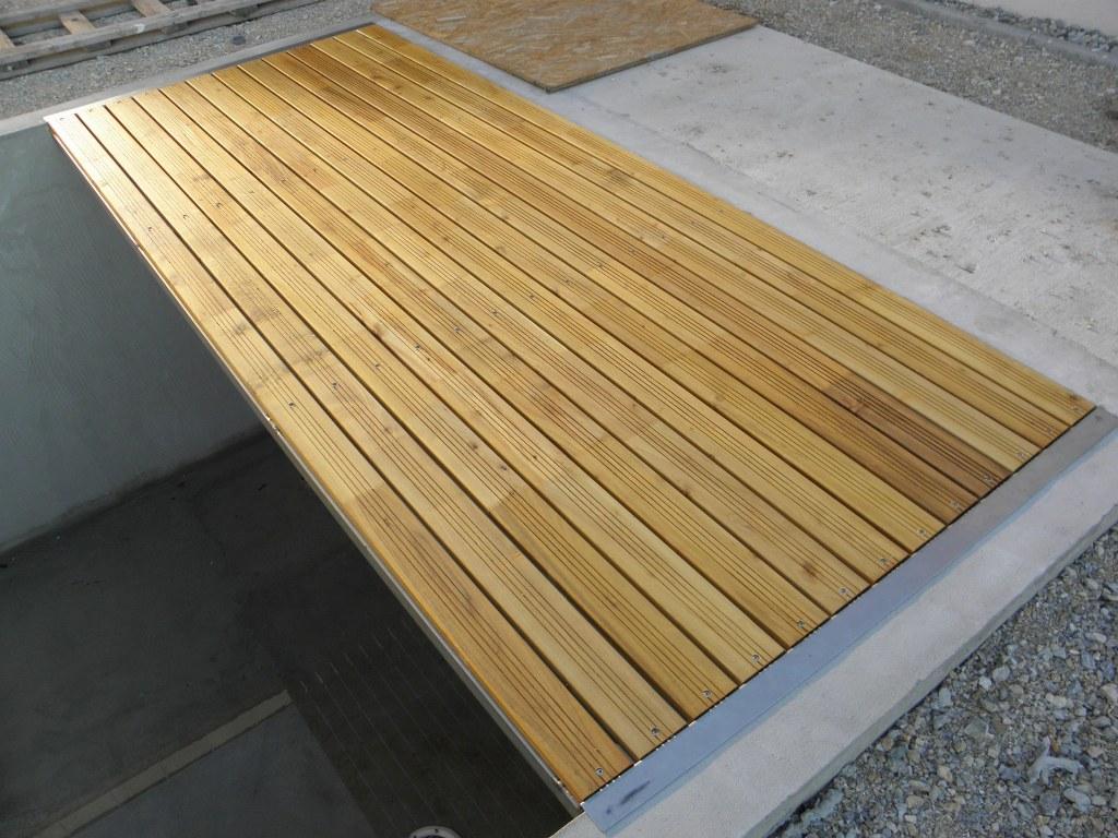 Prezeráte obrázky z: Podlahy z agátu